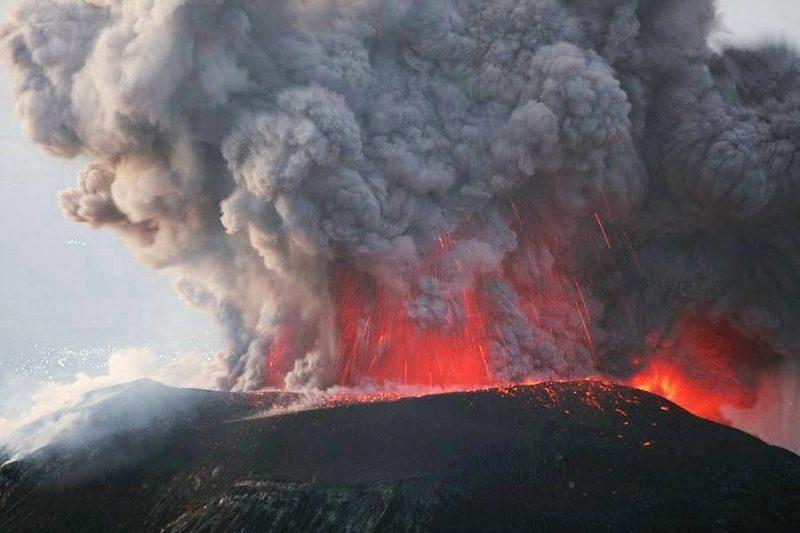 Éruption du Tungurahua.