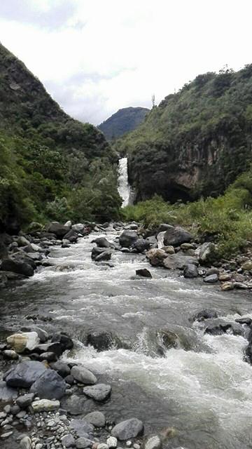 Chute d'eau à Banos